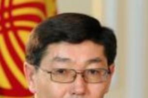 Представитель президента попросил Текебаева не использовать заседание комитета как политическую арену