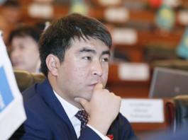 Депутаты СДПК единогласно поддержали исключение Жанара Акаева из фракции
