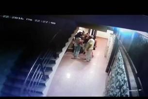 В одном из развлекательных заведений Бишкека мужчина избил троих девушек