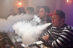 Названы главные опасности электронных сигарет