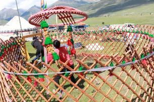 На Алтае появится кемпинг, где воссоздадут атмосферу быта тюрков-кочевников. Юрты завезут из Кыргызстана