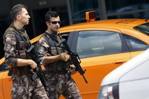 В Анталье (Турция) произошел взрыв у ворот Торгово-промышленной палаты