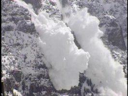 МЧС предупреждает: на горных дорогах повышенная лавиоопасность