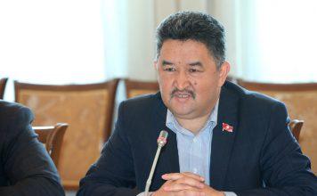 Новым лидером фракции «Кыргызстан» стал Алмазбек Баатырбеков