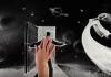 Композитор из Кыргызстана написал музыку для фильма крымской художницы, рисующей снегом