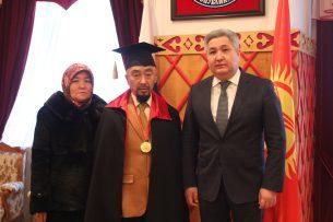 Кыргызский скульптор стал почетным членом Российской академии художеств
