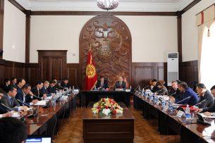 Премьер недоволен работой по демонтажу коррупции в Госархстрое