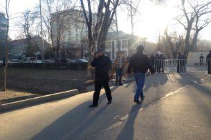 Митинг в поддержку Текебаева возле здания ГКНБ завершен