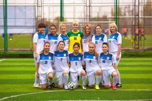 Женская сборная КР по футболу и молодежка готовятся к матчу в Алматы