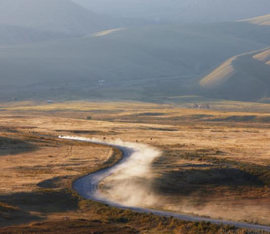 Британский путешественник о дорогах, водителях и гиде в Кыргызстане