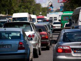 За пробки заставят платить самих водителей