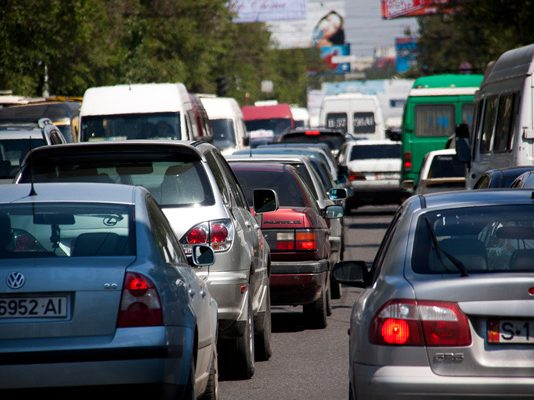 В Кыргызстане ввели два новых дорожных знака