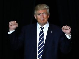 Трамп «забыл» Меланью и чуть не улетел без нее – СМИ