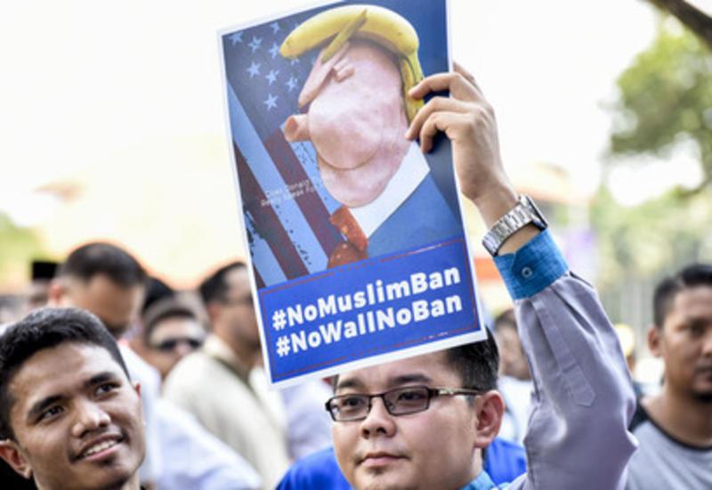 Иммигранты вСША взнак протеста закрыли свои магазины икафе