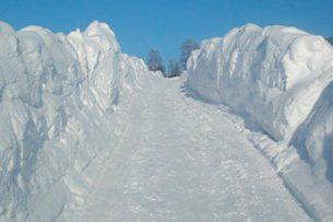 Высота снега достигла до 1,7 метров на перевалах Кыргызстана