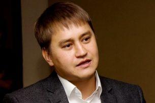 Внешние заимствования должны идти не на инфраструктуру, а на промышленность, считает Азамат Аттокуров