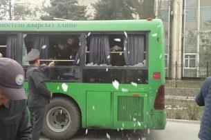 Милиция начала задерживать отдельных участников митинга в поддержку Садыра Жапарова
