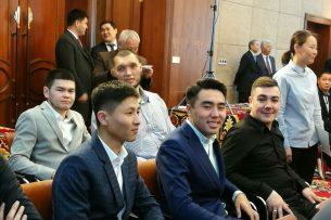 Команду КВН «Азия микс» наградили орденом «Данакер»