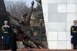 Президент выделил родственникам погибших и пострадавшим во время Аксыйских событий 1,3 млн сомов