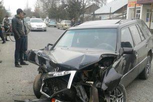 В Базар-Коргоне в ДТП пострадали 5 человек (фото)