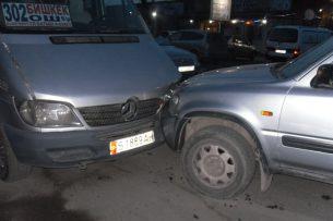 Пьяный водитель напал на милиционера с бетонным брусом