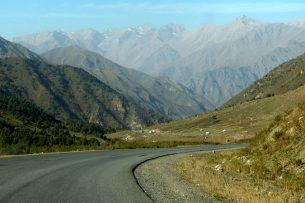 Депутат предлагает ввести плату за проезд по дорогам в горных районах