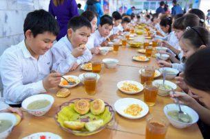 В бишкекской школе запустили горячее питание для учеников 1–4 классов