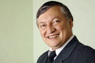 Лучших детей шахматистов Кыргызстана наградил легендарный Анатолий Карпов