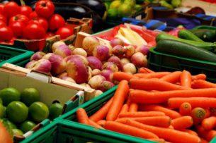 Кыргызстан представил сельхозпродукцию на ярмарке в Казахстане