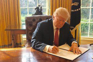 Трамп подписал новый миграционный запрет для граждан шести стран
