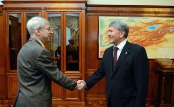Алмазбек Атамбаев встретился с президентом «Радио Свобода» Томасом Кентом