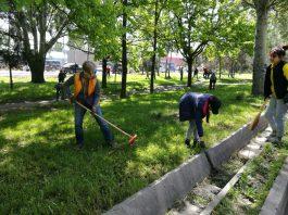 Сотни сотрудников Beeline по всему Кыргызстану вышли на субботник