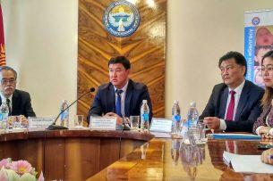 Талантбек Батыралиев: В роддомах Кыргызстана нужно прекратить базарные отношения
