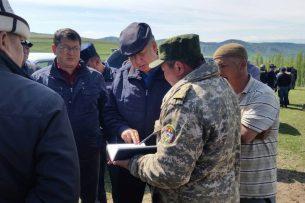 Трагедия в Узгене: 24 человека остались под оползнем