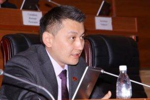 Экс-депутата Исхака Пирматова заключили под стражу в СИЗО на два месяца