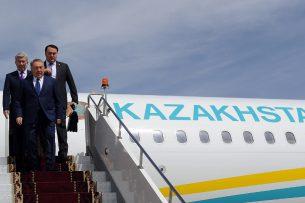 Президент Казахстана прибыл на саммит ЕАЭС с опозданием