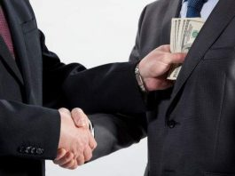 Кенекеев: В Кыргызстане коррупция подвижна и становится более скрытой