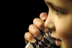 Телефон доверия: Дети жалуются на одиночество, нехватку общения, обиды на родителей