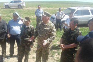 Жениш Разаков посетил в Узгене села, пострадавшие от оползня