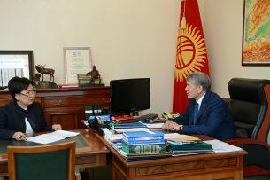 Атамбаев поручил начать строительство новых школ вместо аварийных