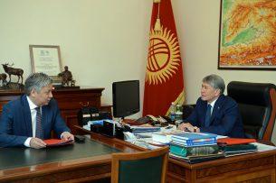 Президент и глава МИДа обсудили вопросы защиты прав и интересов кыргызстанцев за рубежом