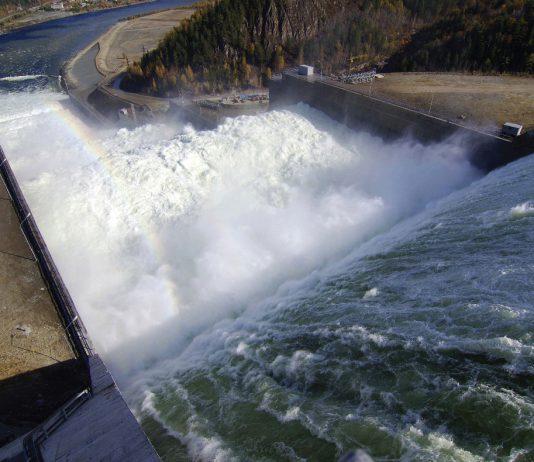 Парламентский комитет одобрил привлечение кредита в $110 млн на запуск второго гидроагрегата Камбар-Атинской ГЭС