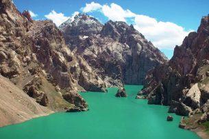 Удивительное озеро Кель-Суу глазами казахстанской путешественницы