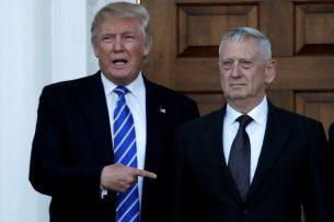 Помощник Трампа случайно обнародовал телефон главы Пентагона