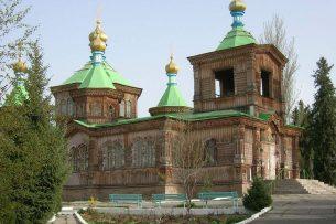 Настоятель храма Святой Троицы: Мэр Каракола приходил к нам и просил разрешения поставить павильоны