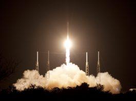 SpaceX поможет организовать космические похороны