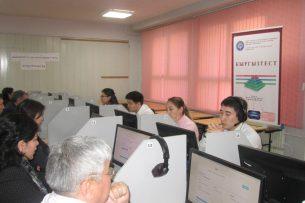 «Кыргызтест»: 41 кандидат в президенты получил сертификаты о владении госязыка