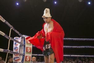 Первым ударом Дастан Шаршеев нокаутировал тайского боксера в 3-м раунде (видео)