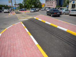 В Бишкеке обновляют разметку: пешеходные переходы оформляют по европейским стандартам