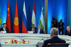 Совета глав государств-членов ШОС заседает в узком составе